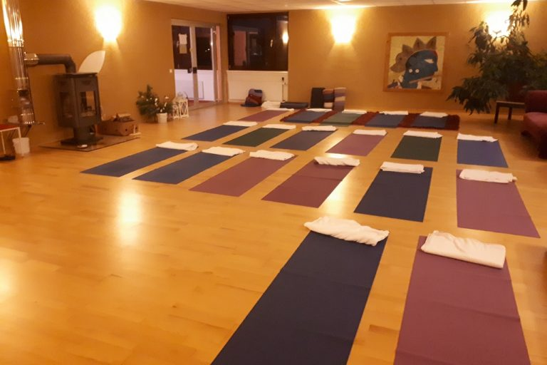 Angebote Crystal Sound Retreats, Yoga Studios